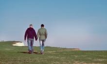 لبنان يحجب تطبيقًا للمواعدة بين المثليين