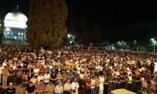 جموع الفلسطينيين تزحف لأداء الجمعة اليتيمة وليلة القدر بالأقصى