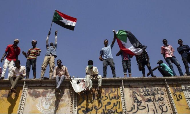"""ثوّار السودان يحذرون من """"تراخي"""" أجهزة الأمن المنظّم"""