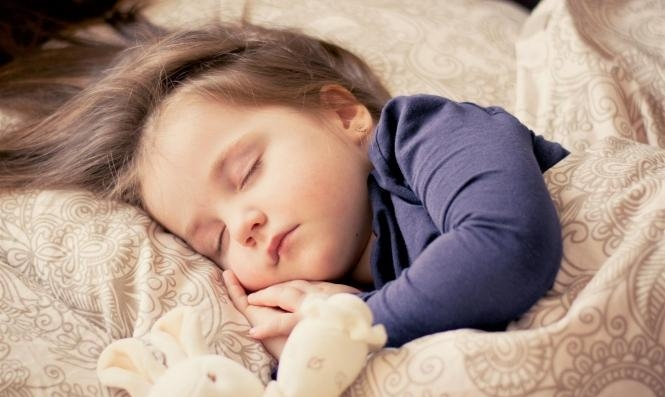 القيلولة للأطفال: سعادة أكبر ومشاكل سلوكيّة أقل