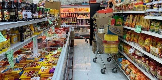 الطيبة: الإقبال على الشراء عشية العيد يدعم الاقتصاد المحلي