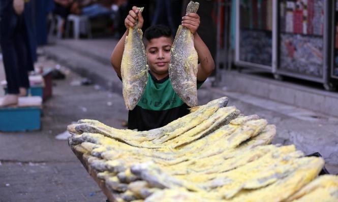 السمّك المُدخّن بغزّة في العيد أحد العادات