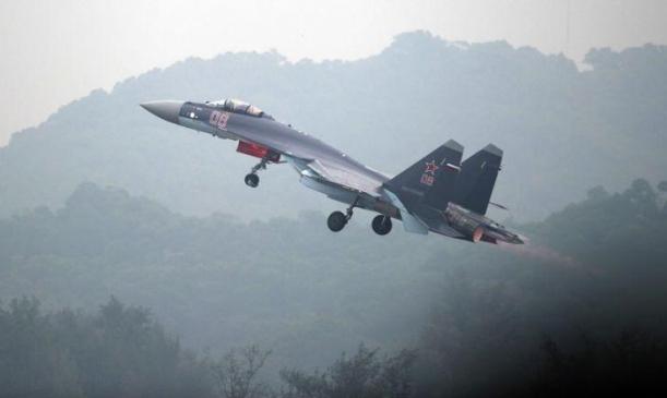 مقاتلة روسية تعترض طائرة تجسس أميركية 3 مرات قبالة سورية