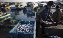 الاحتلال يقلص مساحة الصيد قبالة غزة ويحولها لأداة عقاب جماعي