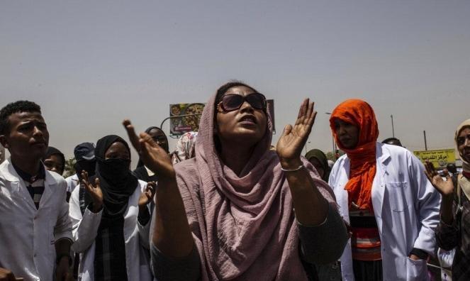 السودان: أنباء عن اغتصاب عاملات بالقطاع الصّحّي