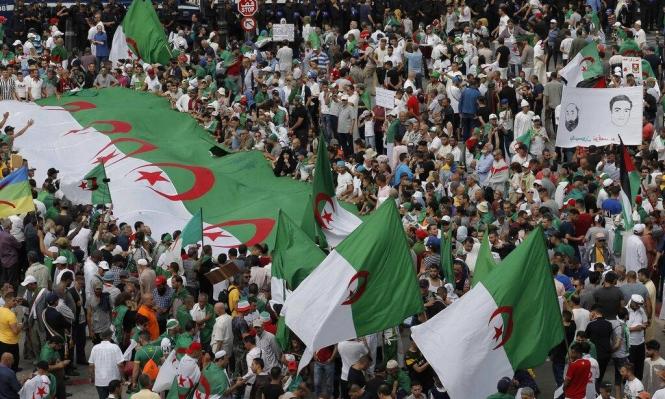 فرنسا تماطل بتسليم الأرشيف الجزائري المسروق منذ الحقبة الاستعمارية
