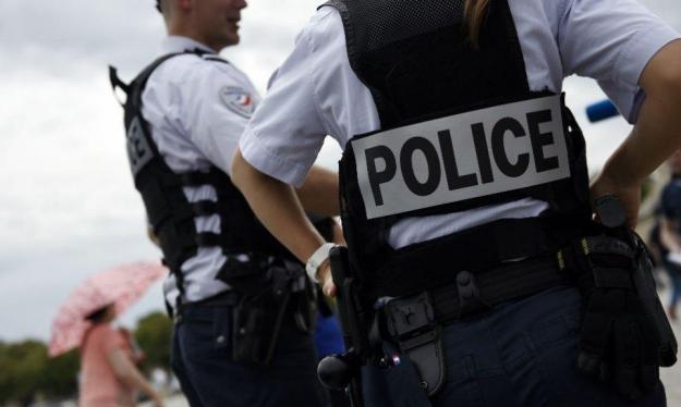 فرنسا: تفكيك خلية خططت لمهاجمة مسلمين ويهود