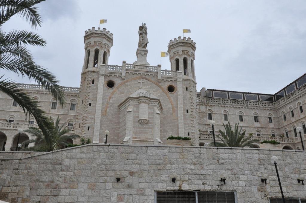 باب الخليل: مدخل لتسريب الأملاك الكنسية بالقدس