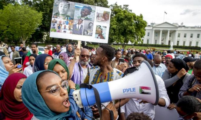 السودان: الأمين العام للجامعة العربية يجتمع مع البرهان وقوى الاحتجاج