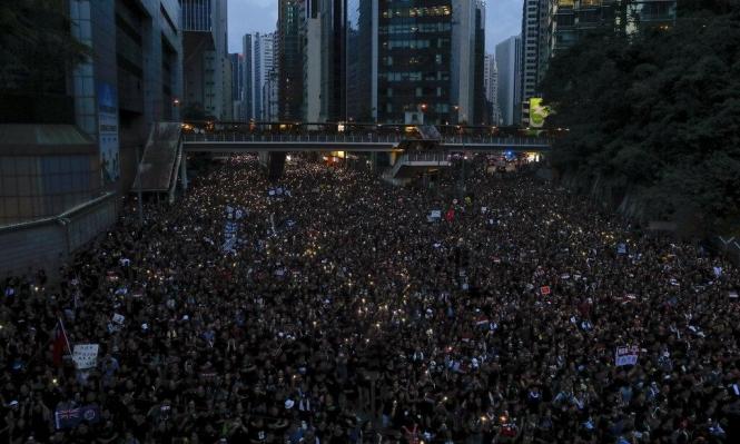 الرئيسية التنفيذية لهونغ كونغ تعتذر للمتظاهرين