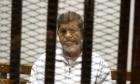 صحيفة: مرسي ترك ملقى على الأرض حتى الموت