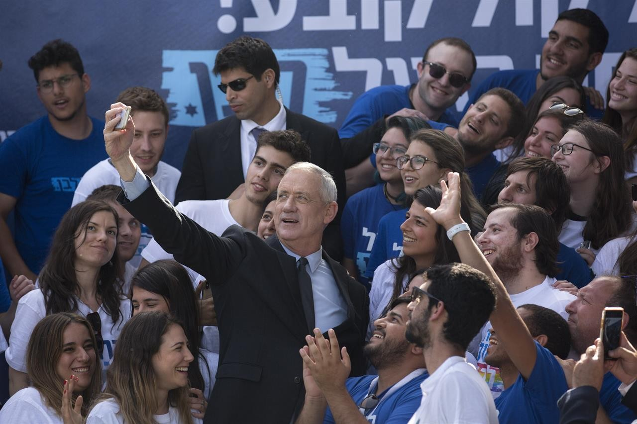 غانتس خلال الحملة الانتخابيّة (أ ب)