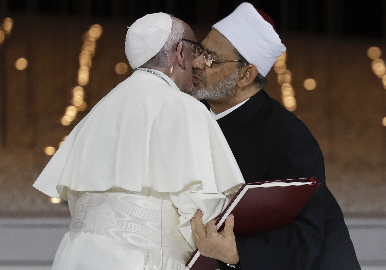 البابا فرانسيس يسعى لتخفيف التوتر مع المسلمين في ظل الإسلاموفوبيا (أ ب)