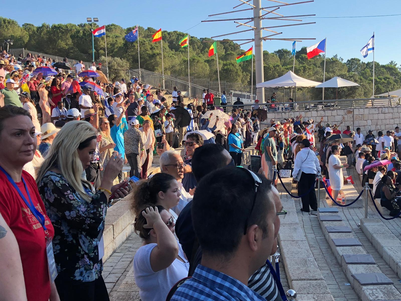 """الناصرة: الواعظ المثير للجدل جوشوا يقيم """"طقوسه"""" في جبل القفزة"""