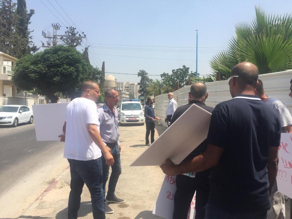 اللد: وقفة احتجاجية رفضا لإخلاء وهدم منازل عائلة أبو كشك