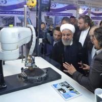 إيران تحذر أميركا وماكرون يسعى لتفادي التصعيد بالخليج