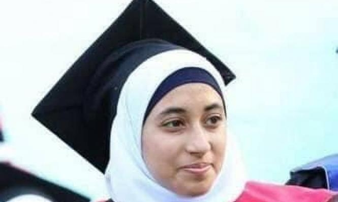 المعتقلة بشير تشرع بإضراب عن الطعام بسجون السلطة