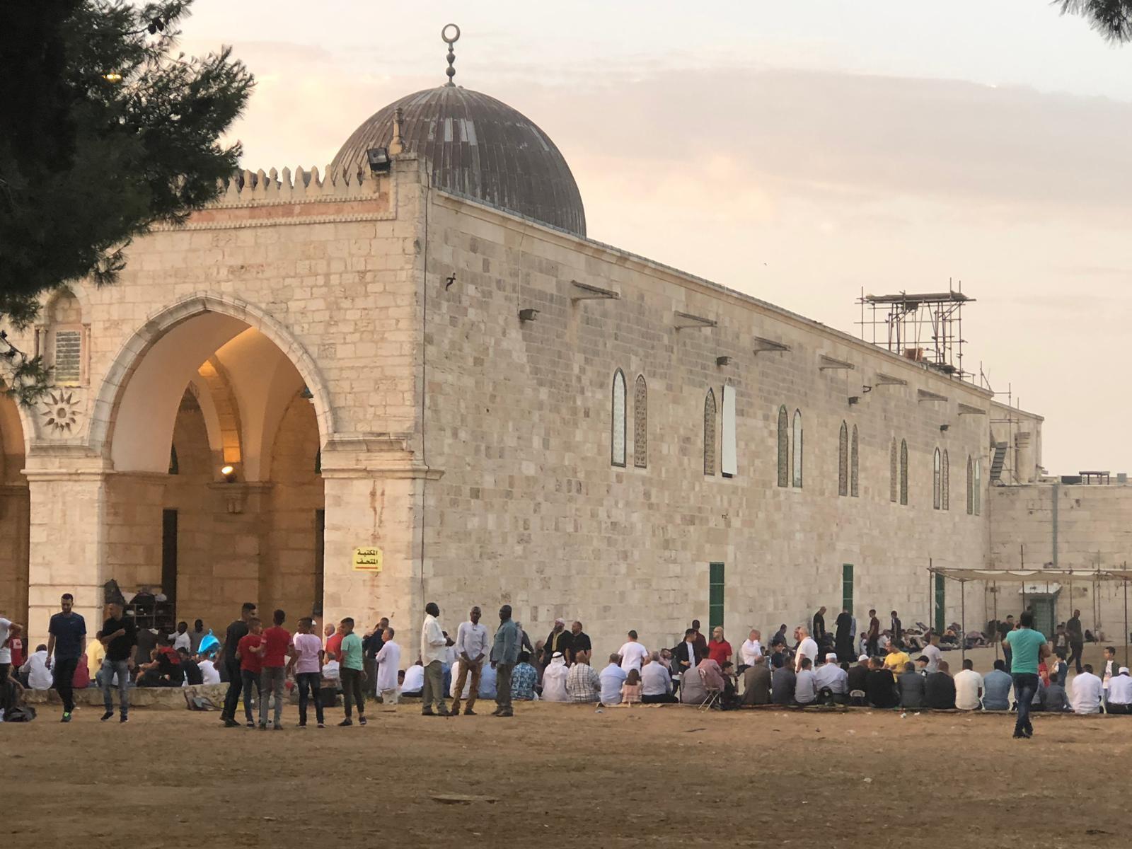 """المسجد القبلي المسقوف قرب باب المغاربة، حيث تدفع المنظمات اليهودية لبناء كنيس بجواره (تصوير """"عرب 48"""")"""