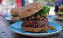 """كبرى شركات الطعام تتبنى """"اللحوم النباتية البديلة"""" بقوائمها"""