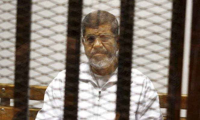 "انتشار مقطع مفبرك: ""آخر لحظات محمد مرسي"""