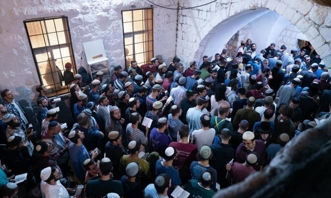 الوزير أرئيل يقتحم الأقصى و3500 مستوطن يقتحمون قبر يوسف