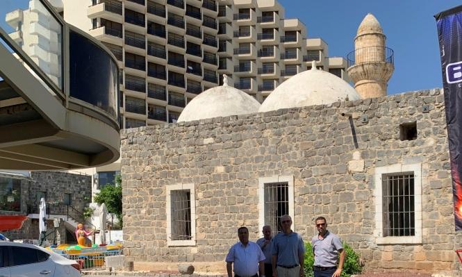 طبرية: متابعة أعمال التنظيف في مسجد البحر