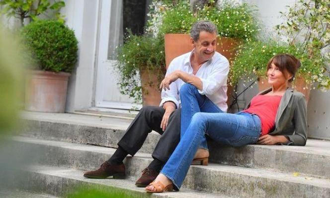 """ساركوزي أطول من زوجته على غلاف """"باري ماتش"""".. كيف ذلك؟"""