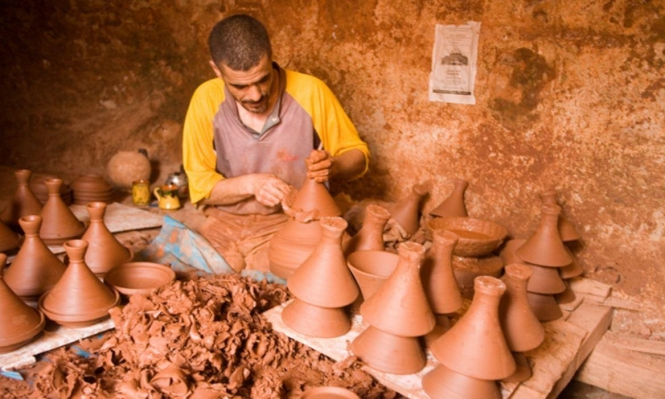 المغرب تسعى للحفاظ على 42 حرفة تقليديّة مهددة بالانقراض