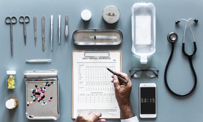دمج 3 عقاقير قد يُحسن حياة مرضى سرطان القولون