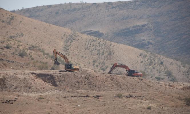 هجمات للمستوطنين بالخليل وتجريف للأراضي بالأغوار