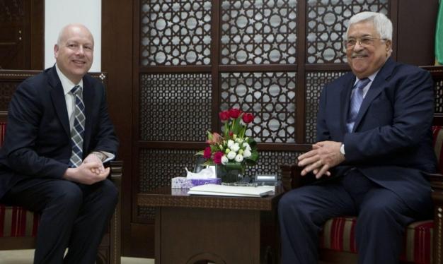 غرينبلات يقايض: إعادة فتح مكتب منطمة التحرير مقابل المفاوضات