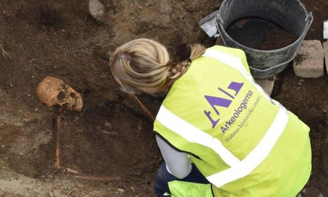 """السويد: العثور على قبرين """"قاربين"""" للفايكينغ"""