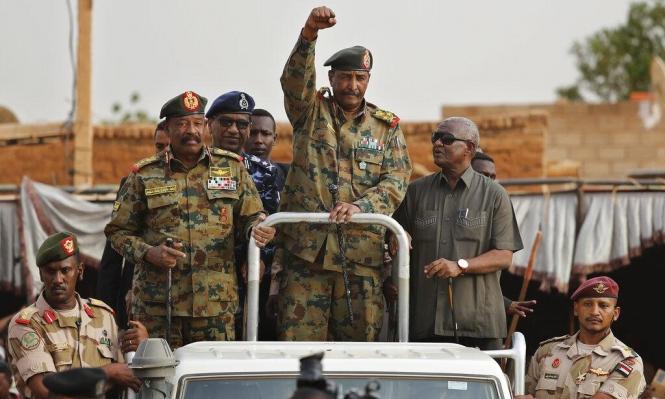 """""""العسكري"""" السوداني: نلتزمبـ""""اتفاق الخرطوم""""... ووفد معارض يطالب بتحقيق دولي"""