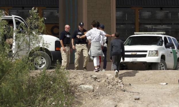 مفوضة حقوق الإنسان تنتقد احتجاز المهاجرين بالولايات المتحدة