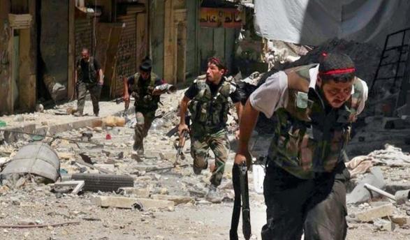 71 قتيلا باشتباكات بين قوات النظام والفصائل بسورية