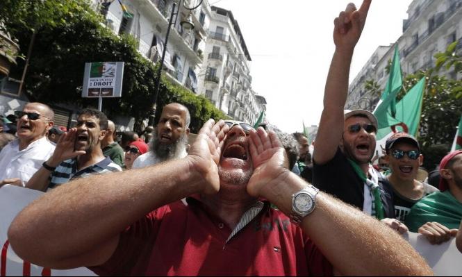 فرحة الجزائريين بالتأهل لا تثنيهم عن التظاهر