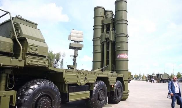 """تركيا:وصول أول شحنة من أنظمة الدفاع""""إس 400"""" الروسية"""
