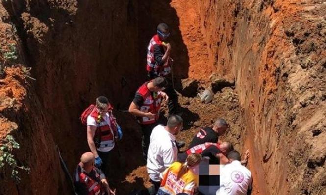 مصرع عامل فلسطيني بحادث عمل وسط البلاد
