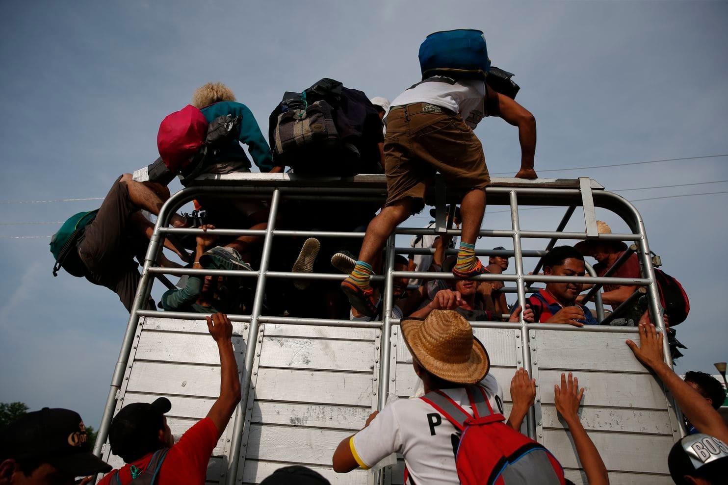 مهاجرون معرّضون للتهجير (أ ب)