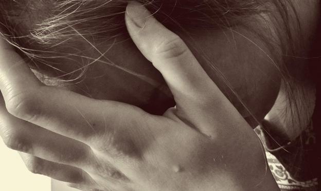 6 مؤشرات على تفكير المراهقين بالانتحار قد تنقذهم ملاحظتها مبكرًا!