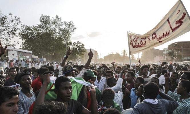 تجدد الاحتجاجات بالسودان وخلافات داخل المعارضة حول الإعلان الدستوري