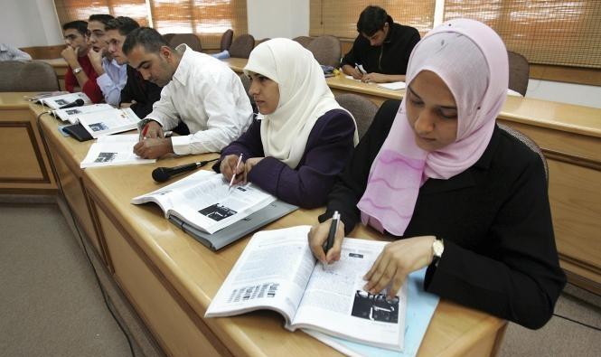 المغرب: إقرار قانون يعتمد الفرنسية في التعليم