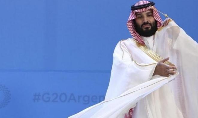 """السعودية: قرار يسمح للمحال """"ضمنيا"""" بالعمل وقت الصلاة"""
