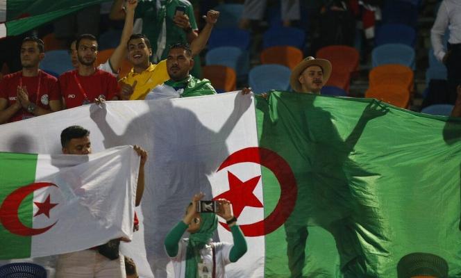 كرة القدم أداة سياسية: الجماهير المصريّة سنغالية أم جزائريّة؟