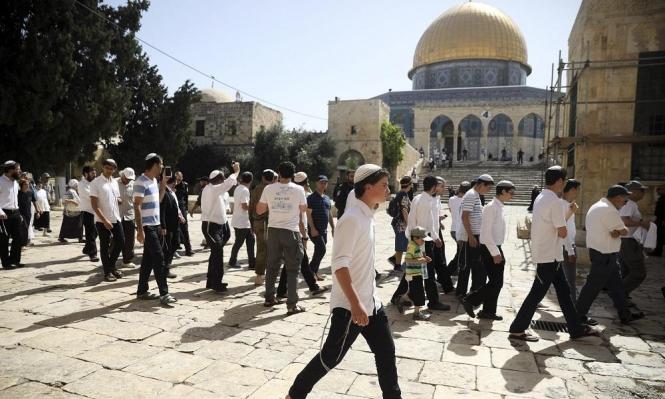 مستوطنون يقتحمون الأقصى والاحتلال يعتقل 8 مقدسيين