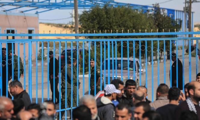 """غزة: الاحتلال يعتقل فلسطينيا بزعم """"التسلل وحيازة سكاكين"""""""