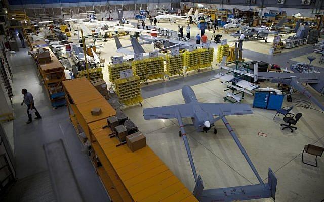 الطائرات المسيرة من أبرز الصناعات العسكرية الإسرائيلية (أ ب)