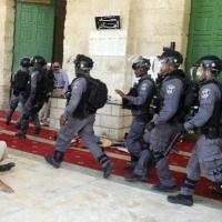 """الاحتلال يخلي """"باب الرحمة"""" ودعوات لاقتحام جماعي للأقصى"""