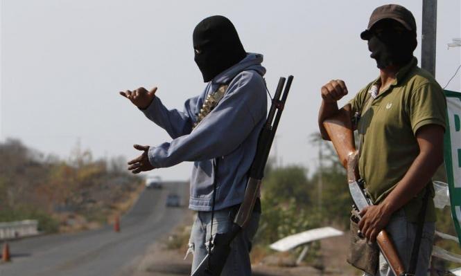 المكسيك: آلاف المواطنين يرفعون السلاح لمحاربة الجريمة!