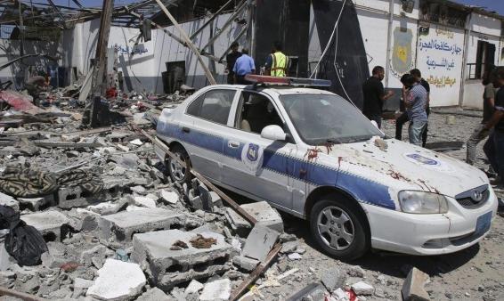 مقتل 7 مسلحين موالين لحفتر وتوقف شحن النفط بالزاوية